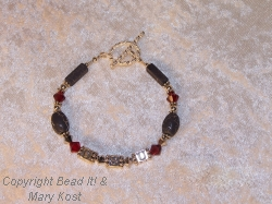 OSU letter bracelet with gray crackle beads