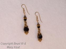 Black gemstsone and gold earrings  3
