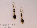 Black gemstsone and gold earrings  3